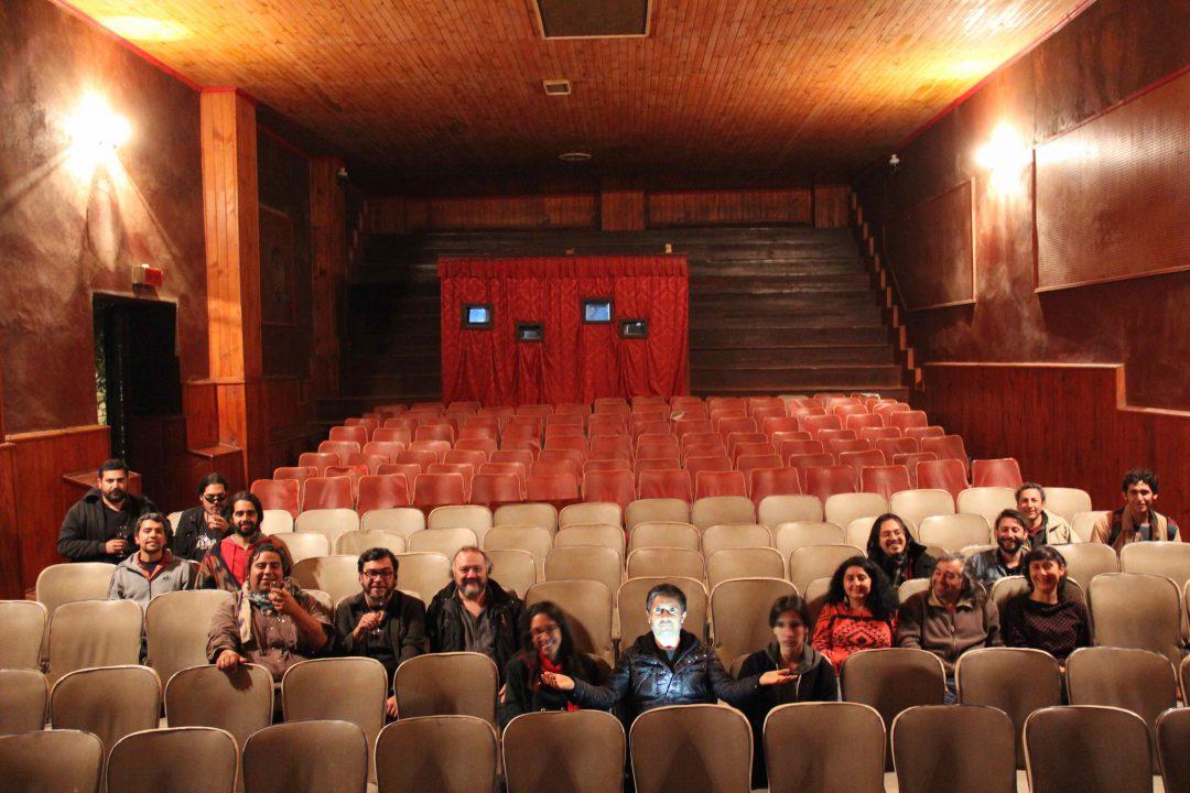 Equipo FIC Pichilemu y Becados en Cine Royal