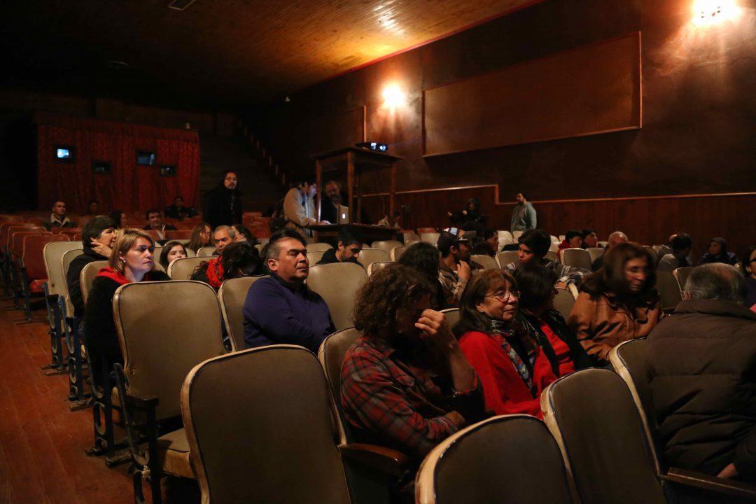 Público Asistente en la reapertura de Cine Royal